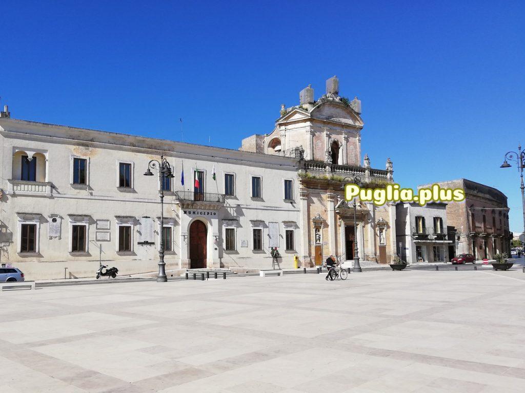 hauptplatz in Manduria. Piazza Garibaldi